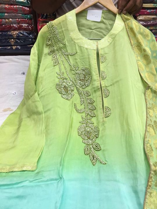 suits ₹1 – Jhilmil Colony contact on whatsapp 9910355767 for price and not working